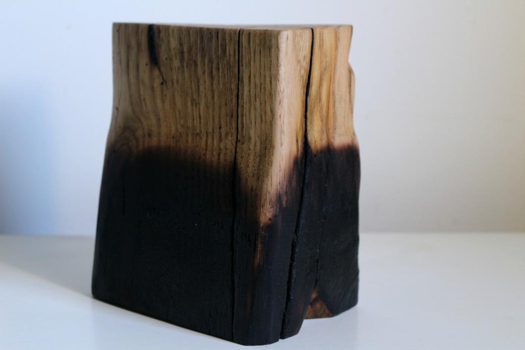 sculpture en bois brûlé objet de décoration shou sugi ban.jpg