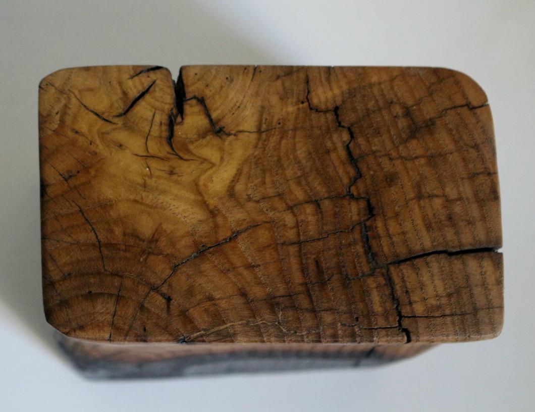 sculpture en bois de châtaignier.jpg
